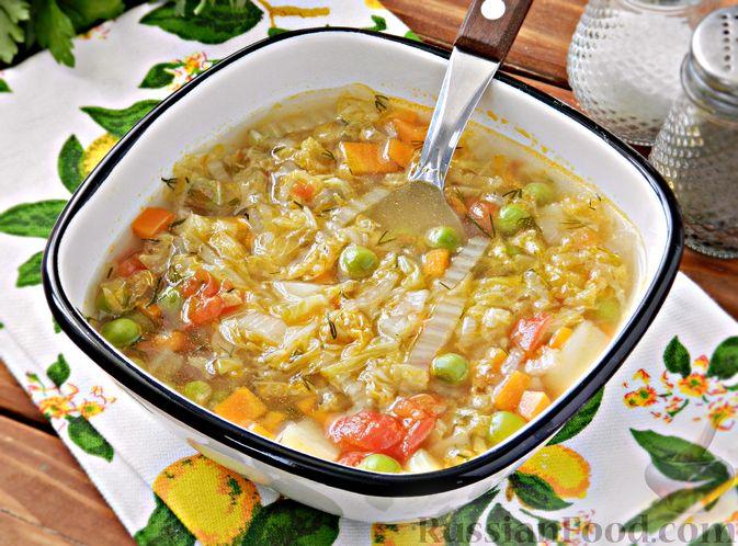 Фото к рецепту: Овощной суп из пекинской капусты со свежим горошком