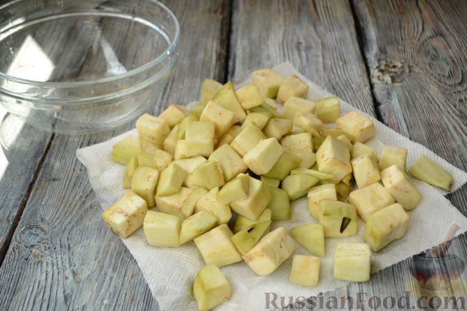 Фото приготовления рецепта: Гороховый суп с копчёной грудинкой и курицей - шаг №5