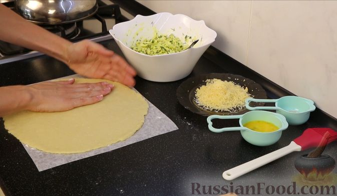 """Фото приготовления рецепта: Запеканка """"Ленивые голубцы"""" с шампиньонами - шаг №15"""