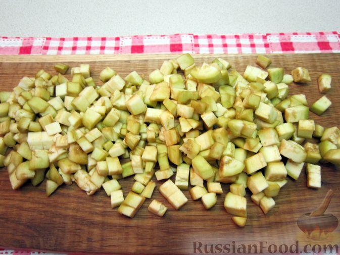 Фото приготовления рецепта: Крем-суп из баклажанов и помидоров с плавленым сыром - шаг №9
