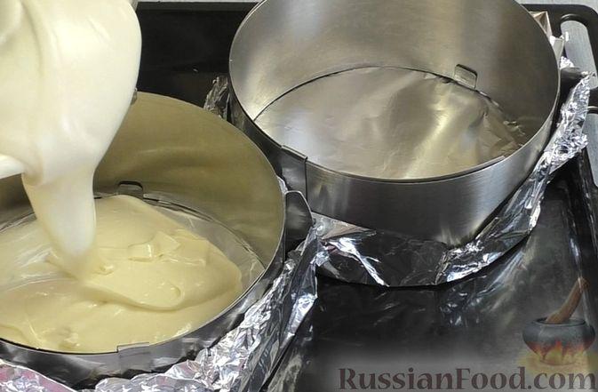 Фото приготовления рецепта: Медовый торт-мусс с малиной - шаг №6