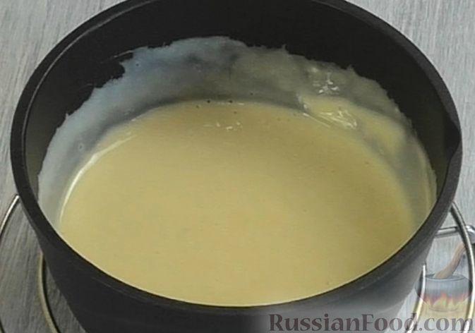 Фото приготовления рецепта: Медовый торт-мусс с малиной - шаг №16