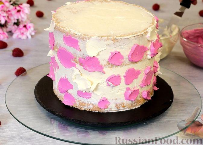 Фото приготовления рецепта: Медовый торт-мусс с малиной - шаг №31