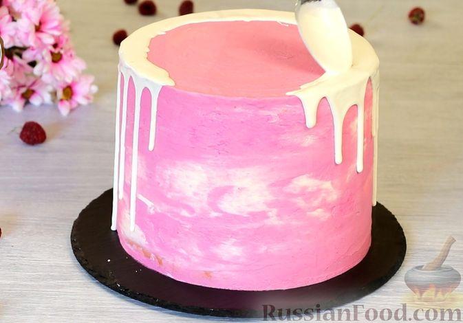Фото приготовления рецепта: Медовый торт-мусс с малиной - шаг №34