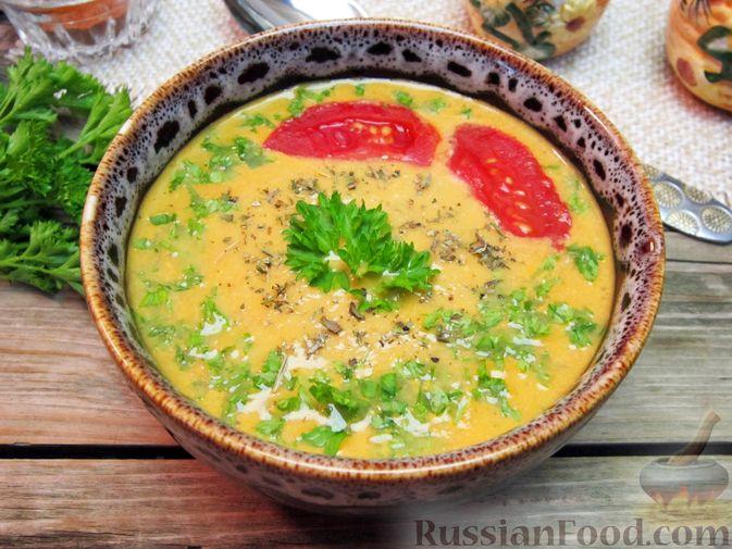 Фото к рецепту: Крем-суп из баклажанов и помидоров с плавленым сыром