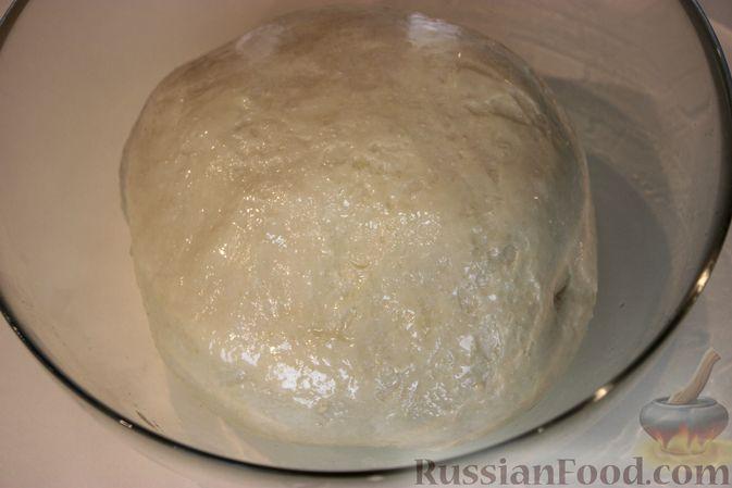 Фото приготовления рецепта: Пирожки с земляникой - шаг №4