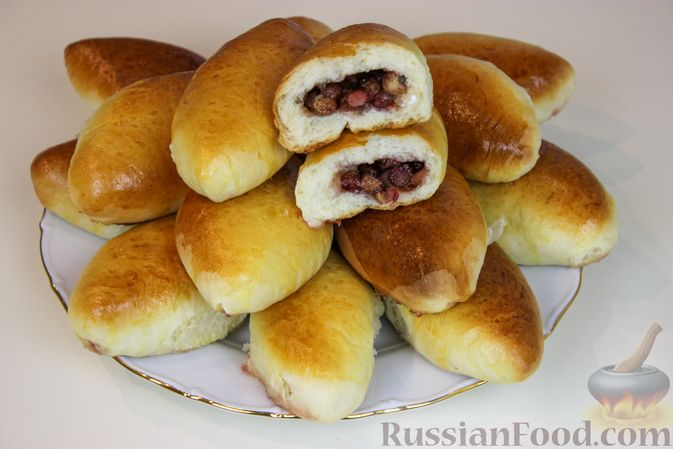Фото приготовления рецепта: Пирожки с земляникой - шаг №9