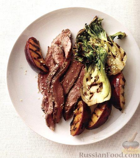 Рецепт Говяжий стейк с жареными сливами