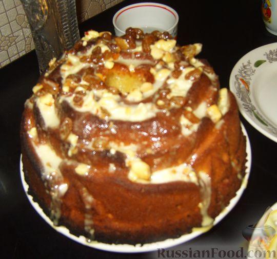 Рецепт Мраморный пирог с нугой, орехами и изюмом