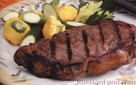 Рецепт Говяжьи стейки с огуречным соусом