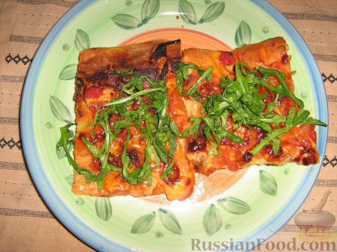 Рецепт Пицца с домашними колбасками и рукколой