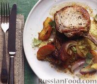 Фото к рецепту: Жареная свинина с персиками и луком
