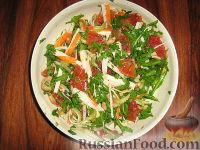 Фото к рецепту: Салат с апельсином и крабовыми палочками