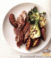 Фото к рецепту: Говяжий стейк с жареными сливами