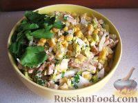 Фото к рецепту: Быстрый салат с кукурузой и сухариками