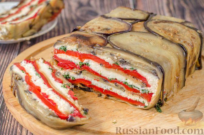 """Фото приготовления рецепта: Салат """"Оливье"""" с красной рыбой - шаг №9"""