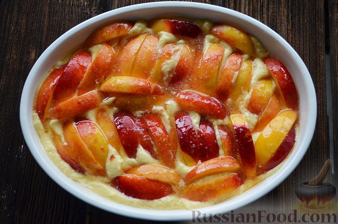 Фото приготовления рецепта: Пирог с нектаринами - шаг №11