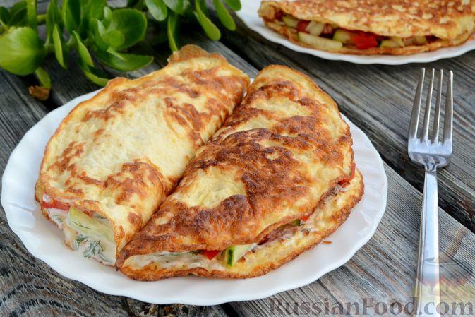 Фото приготовления рецепта: Сосиски в тостовом хлебе (в духовке) - шаг №6