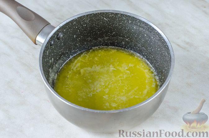Фото приготовления рецепта: Пирог из теста фило с вишней в яично-сливочной заливке - шаг №6