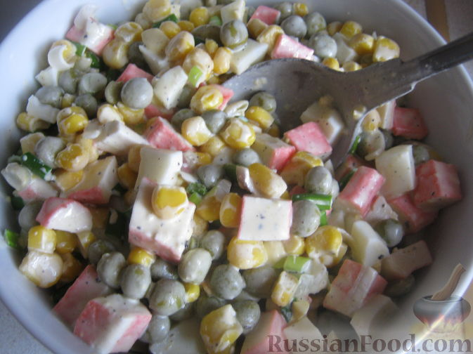 Салат из крабовых палочек кукуруза рецепт с