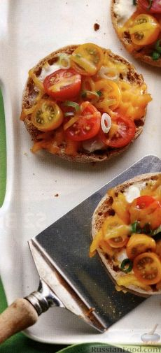 Рецепт Полезный завтрак (горячие бутерброды с помидорами)
