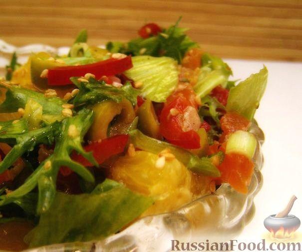 Фото приготовления рецепта: Салат с семгой, апельсином и кунжутом - шаг №9