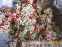 """Фото приготовления рецепта: Салат """"Весенний бриз"""" - шаг №6"""