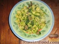 Фото к рецепту: Паста Орекьетте с ботвой репы и домашними колбасками