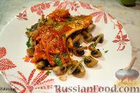 Фото к рецепту: Сибас в томатном соусе, с карри и имбирём