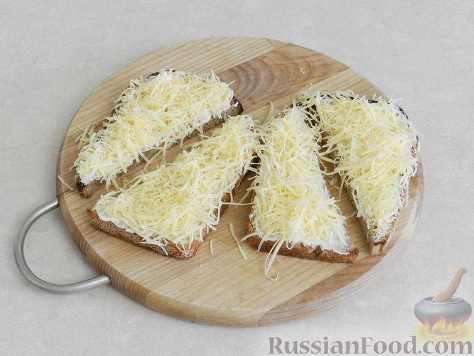 Фото приготовления рецепта: Торт из хлеба, со сметанным кремом и ананасами (без выпечки) - шаг №1