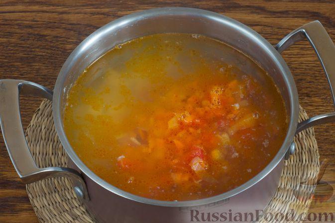 Фото приготовления рецепта: Грибной суп с клецками - шаг №16