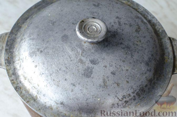 Фото приготовления рецепта: Тыквенная похлебка с чечевицей, фрикадельками и копчёными колбасками - шаг №14