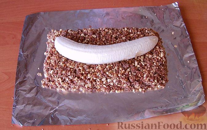 Фото приготовления рецепта: Грушевый пирог на кефире, с песочной крошкой - шаг №13