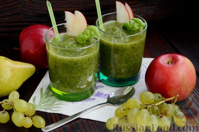Фото приготовления рецепта: Смузи с виноградом, яблоком и грушей - шаг №12