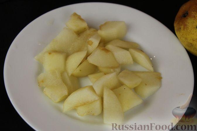 Фото приготовления рецепта: Смузи из хурмы с грушей и бананом - шаг №4
