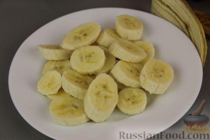 Фото приготовления рецепта: Смузи из хурмы с грушей и бананом - шаг №5