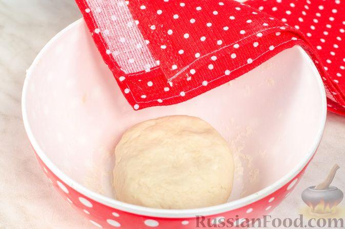 Фото приготовления рецепта: Жареные лепёшки с тыквой - шаг №4