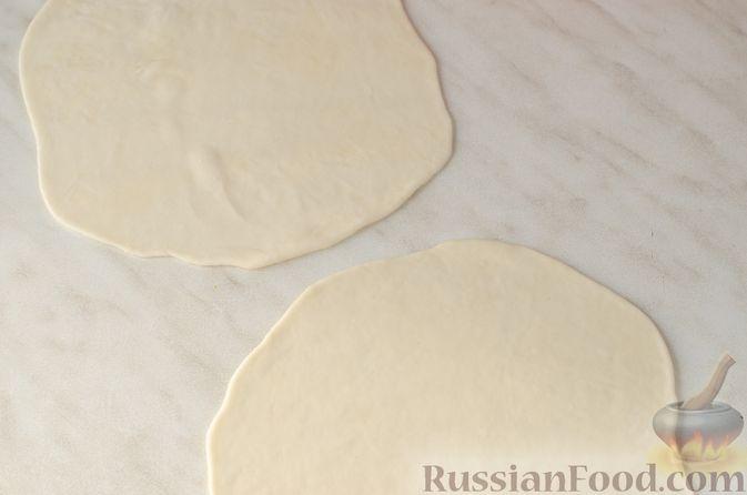 Фото приготовления рецепта: Жареные лепёшки с тыквой - шаг №10