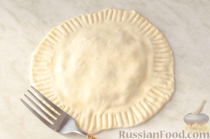 Фото приготовления рецепта: Жареные лепёшки с тыквой - шаг №12