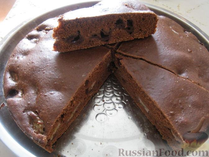 Рецепт Постный шоколадный пирог с вишнями и бананом
