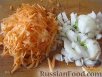 Фото приготовления рецепта: Суп картофельный со свежими грибами - шаг №4