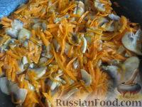 Фото приготовления рецепта: Суп картофельный со свежими грибами - шаг №8