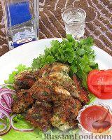 Фото к рецепту: Шашлык из свинины в маринаде с чесноком