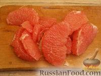 """Фото приготовления рецепта: Фруктовый салат """"Только для взрослых"""" - шаг №3"""