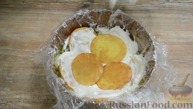 Фото приготовления рецепта: Форель, запечённая с картофелем - шаг №5