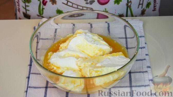 Фото приготовления рецепта: Мандариново-сливочный десерт - шаг №7