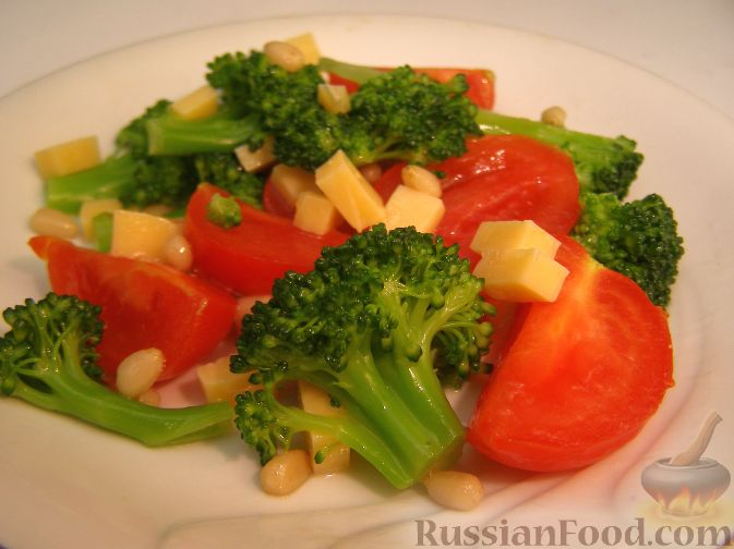 Рецепт Салат из брокколи, с помидорами и кедровыми орехами