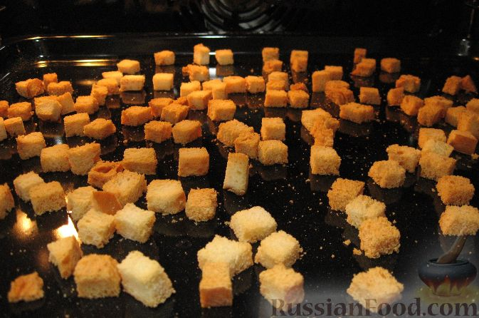 Фото приготовления рецепта: Запеченная свиная рулька, с жареными яблоками - шаг №7