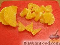 Фото приготовления рецепта: Фруктовый салат с черносливом - шаг №3