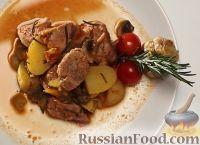 Фото к рецепту: Овощное рагу со свининой (в мультиварке)
